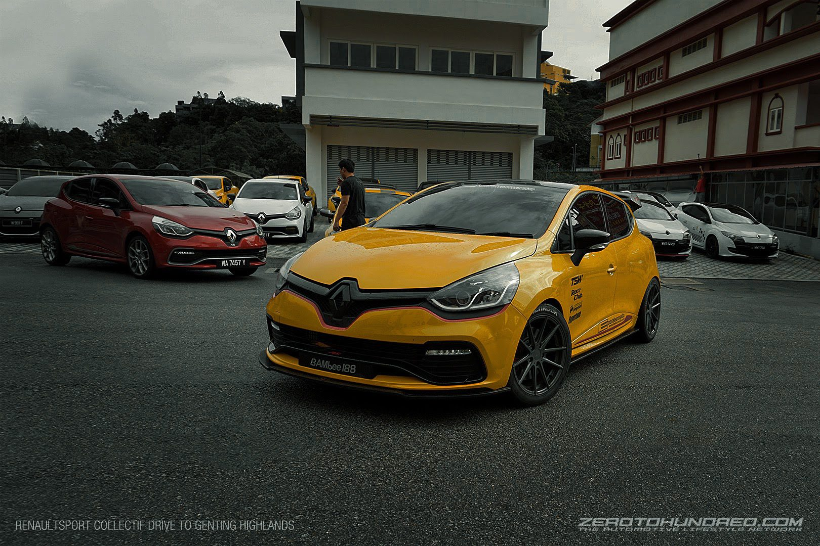 clio rs 200 turbo by exotic mods tested at sepang circuit. Black Bedroom Furniture Sets. Home Design Ideas